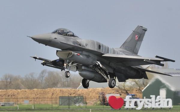 F-16C-52  31TAB .