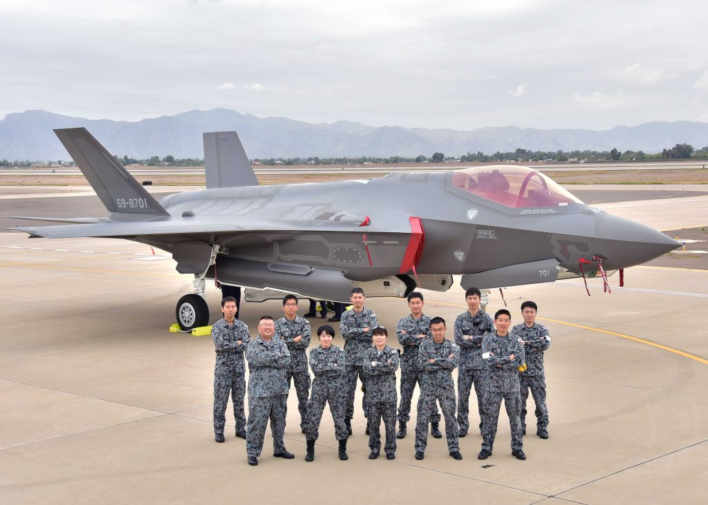 japan-luke-arrival-group-photo