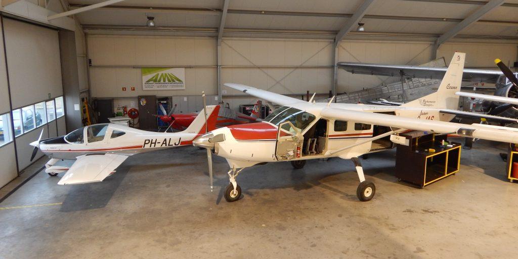 AMN nieuwe dealer van Becker Avionics • Piloot & Vliegtuig